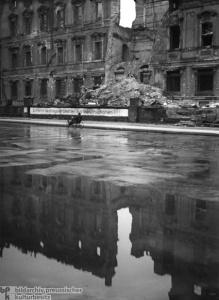 Geschichte / Deutschland / 20. Jh. / Nachkriegszeit: Berlin 1945-49 / Bevölkerung / Alltag / Straßenleben / 1946-49