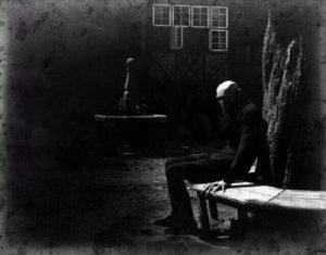 max-schreck-descansando-entre-tomas-nosferatu-1922-que-foto-mas-inquietante-l_cover