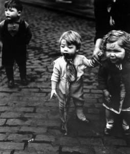 CHILDREN-IN-SHEFFIELD-C1930-1-BB0054