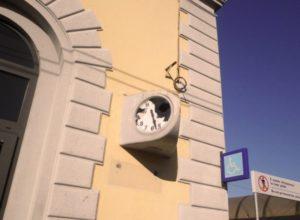 orologio-rotto-e1462892347175